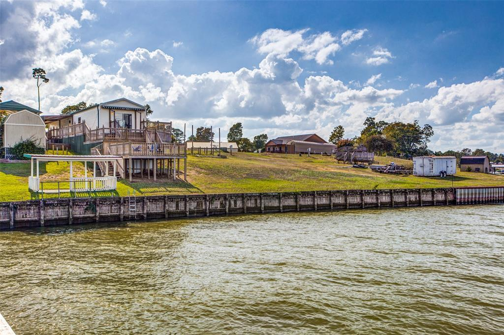 Waterfront,La Livingston lakefront, live on the water Lake Livingston | 700 Lagoon Drive Point Blank, TX 77364 35
