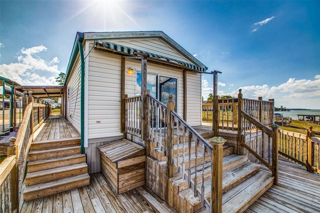 Waterfront,La Livingston lakefront, live on the water Lake Livingston | 700 Lagoon  Drive Point Blank, TX 77364 6