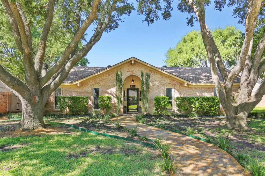 DFW Real Estate | 912 Sandalwood Avenue Richardson, TX 75080 2