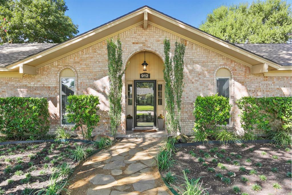 DFW Real Estate | 912 Sandalwood Avenue Richardson, TX 75080 3