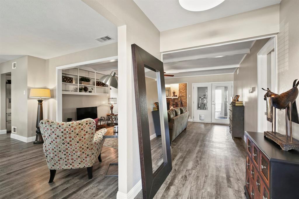 DFW Real Estate | 912 Sandalwood Avenue Richardson, TX 75080 4