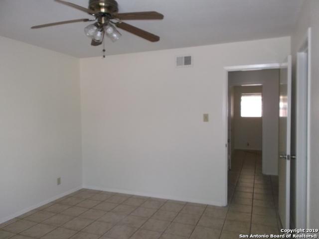 Active Option | 125 MEADOWLAND  Universal City, TX 78148 11