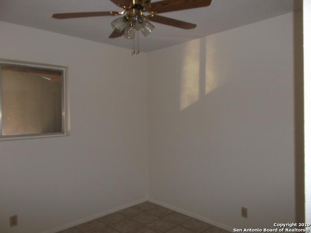 Active Option | 125 MEADOWLAND  Universal City, TX 78148 13