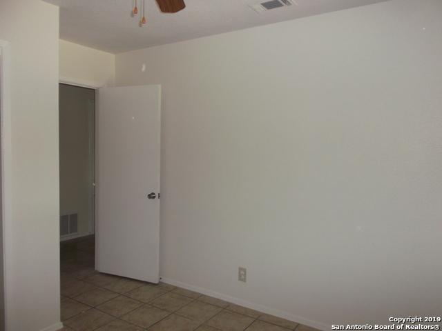Active Option | 125 MEADOWLAND  Universal City, TX 78148 14