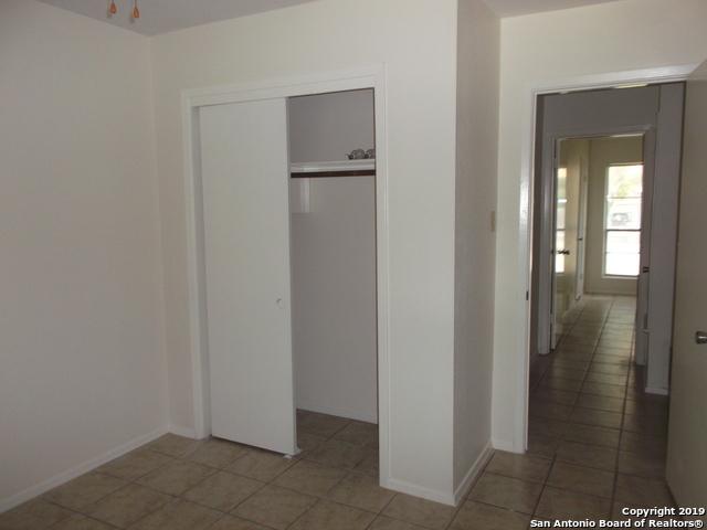Active Option | 125 MEADOWLAND  Universal City, TX 78148 15