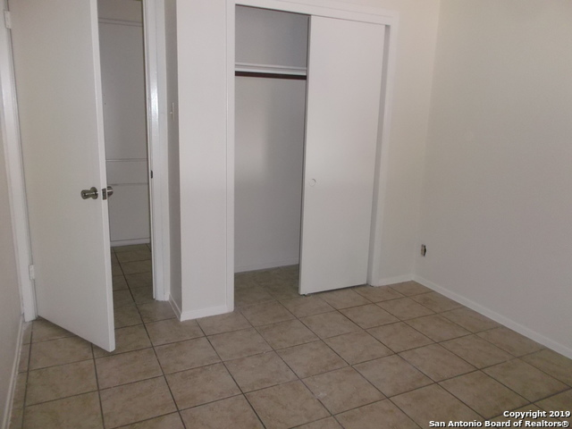 Active Option | 125 MEADOWLAND  Universal City, TX 78148 16