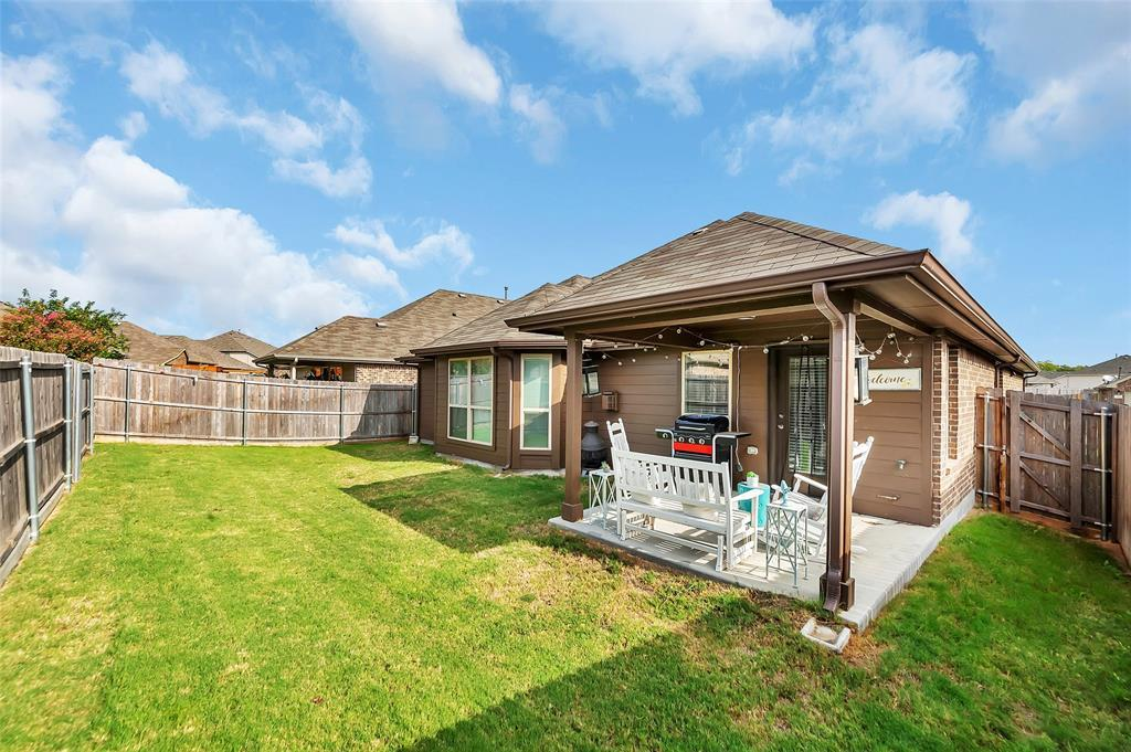 Active | 516 Fossil Creek Drive Little Elm, TX 75068 24