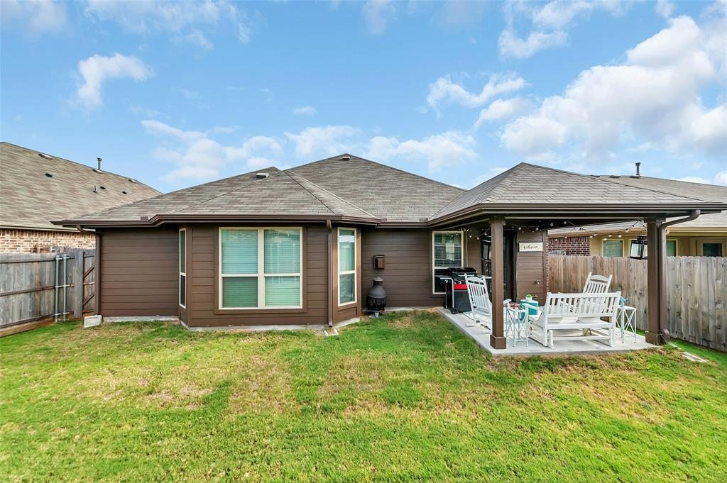 Active | 516 Fossil Creek Drive Little Elm, TX 75068 25
