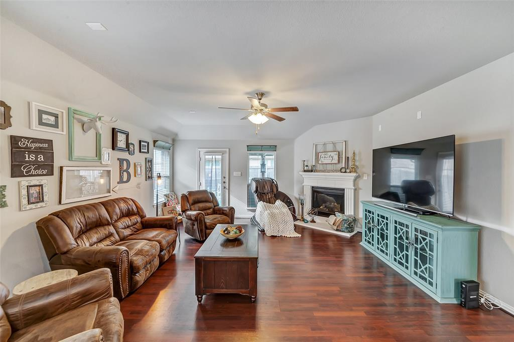 Active | 516 Fossil Creek Drive Little Elm, TX 75068 6