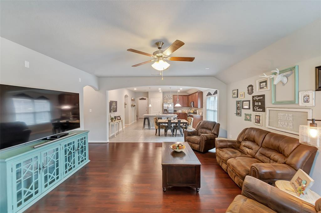 Active | 516 Fossil Creek Drive Little Elm, TX 75068 9