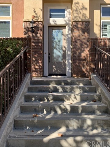 Closed | 609 W 1st Street Claremont, CA 91711 2