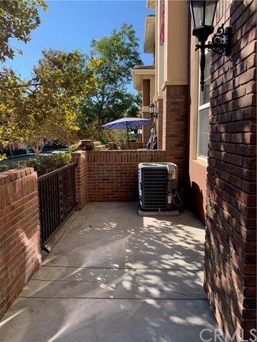 Closed | 609 W 1st Street Claremont, CA 91711 4