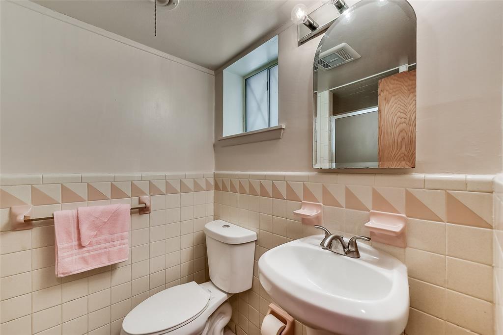 Sold Property | 304 W Goss Street Terrell, TX 75160 14