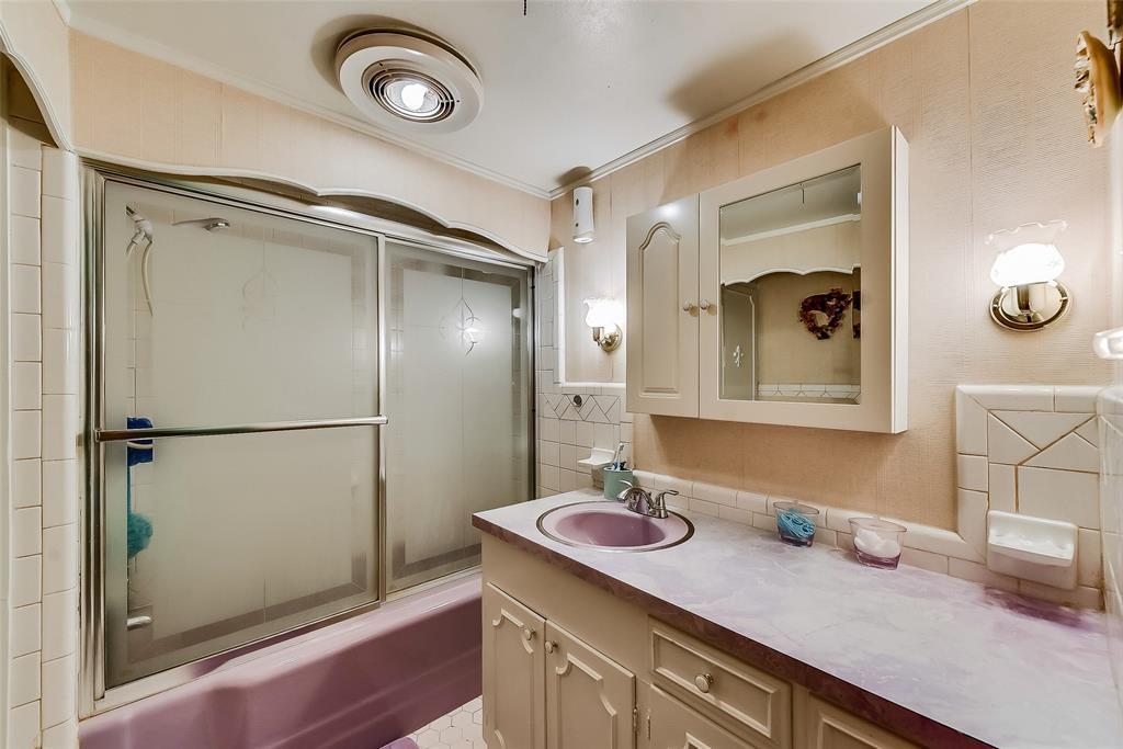Sold Property | 304 W Goss Street Terrell, TX 75160 21