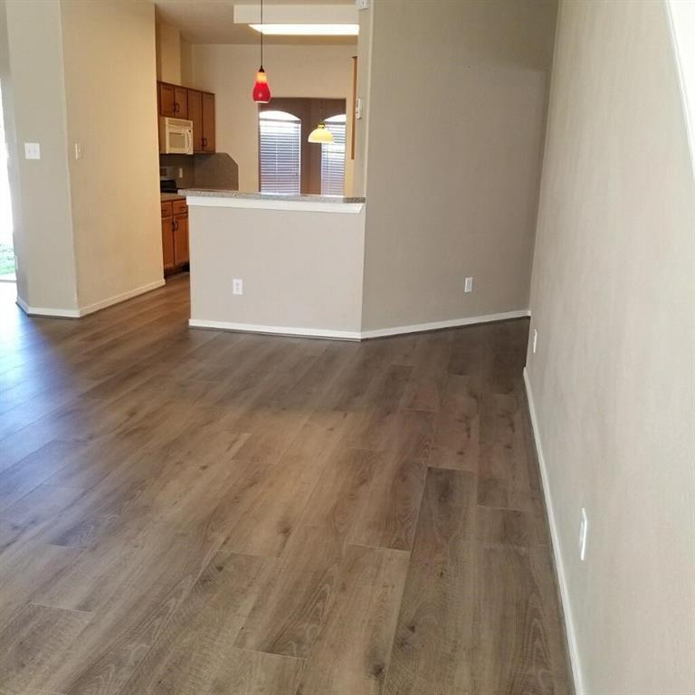 Active | 18539 Alemarble Oak Street Cypress, TX 77429 16