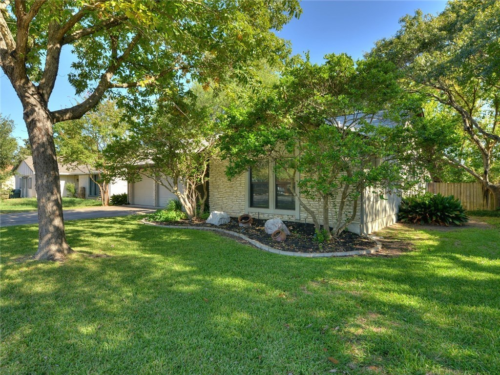 Sold Property | 11615 Santa Cruz Drive Austin, TX 78759 2