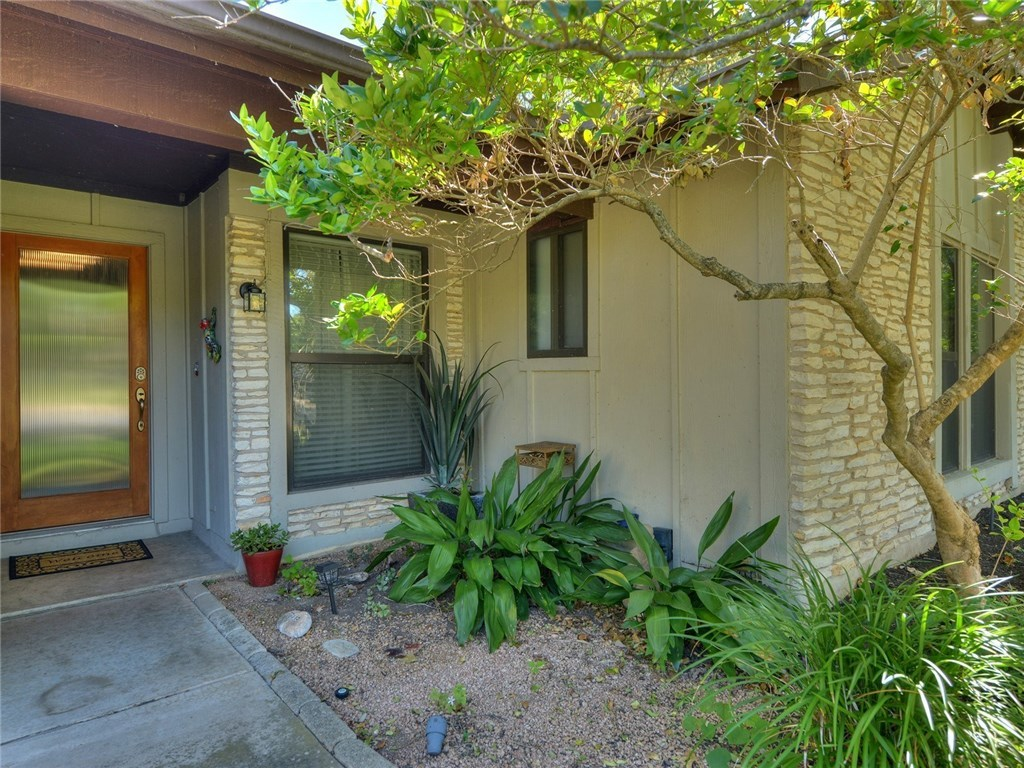 Sold Property | 11615 Santa Cruz Drive Austin, TX 78759 3
