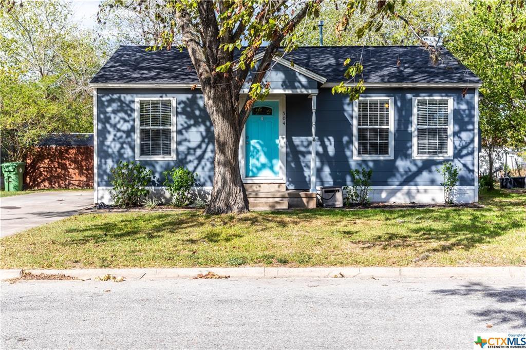 Pending | 504 E First Street Cuero, TX 77954 2