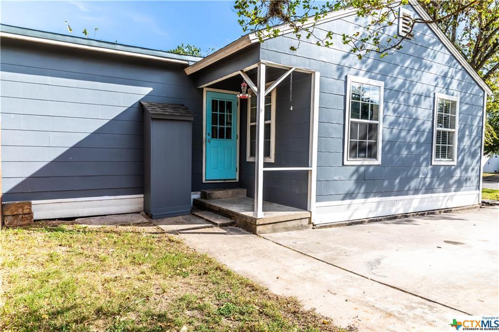 Pending | 504 E First Street Cuero, TX 77954 18