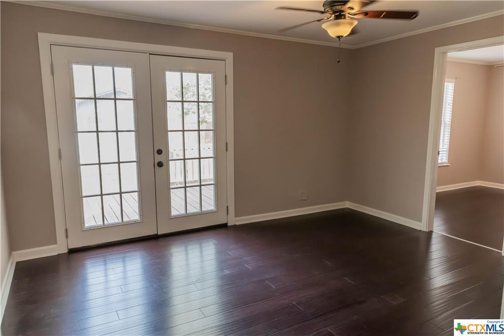 Pending | 504 E First Street Cuero, TX 77954 10