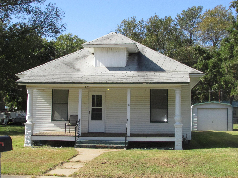 Closed | 447 N Thompson Street Vinita, OK 74301 0