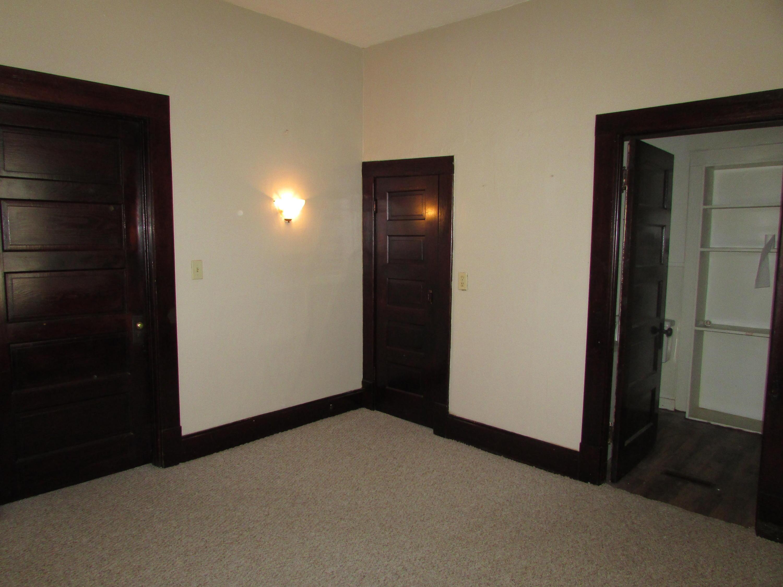 Closed | 447 N Thompson Street Vinita, OK 74301 22