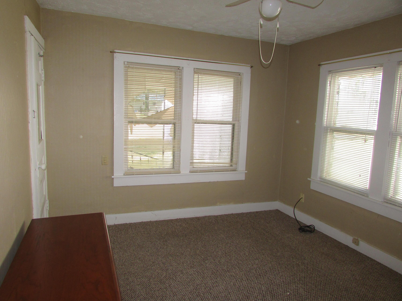 Closed | 447 N Thompson Street Vinita, OK 74301 30