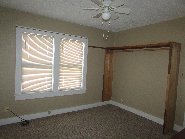 Closed | 447 N Thompson Street Vinita, OK 74301 32
