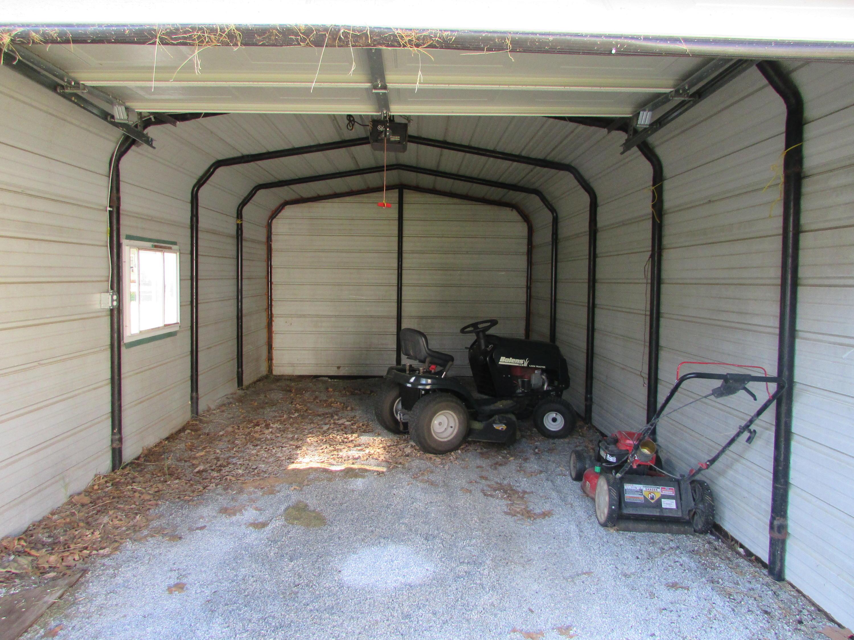 Closed | 447 N Thompson Street Vinita, OK 74301 46