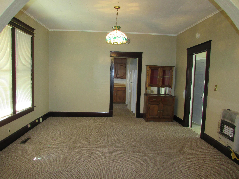Closed | 447 N Thompson Street Vinita, OK 74301 6