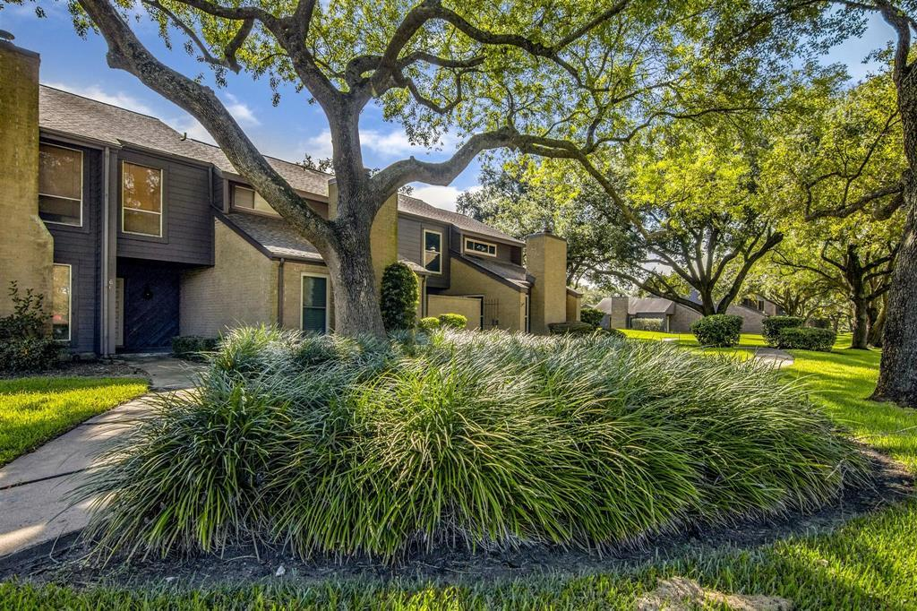 Off Market | 16562 Space Center Boulevard Houston, TX 77058 2