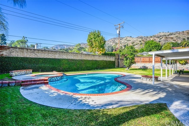 Active | 1027 Entrada Way  Glendora, CA 91741 1