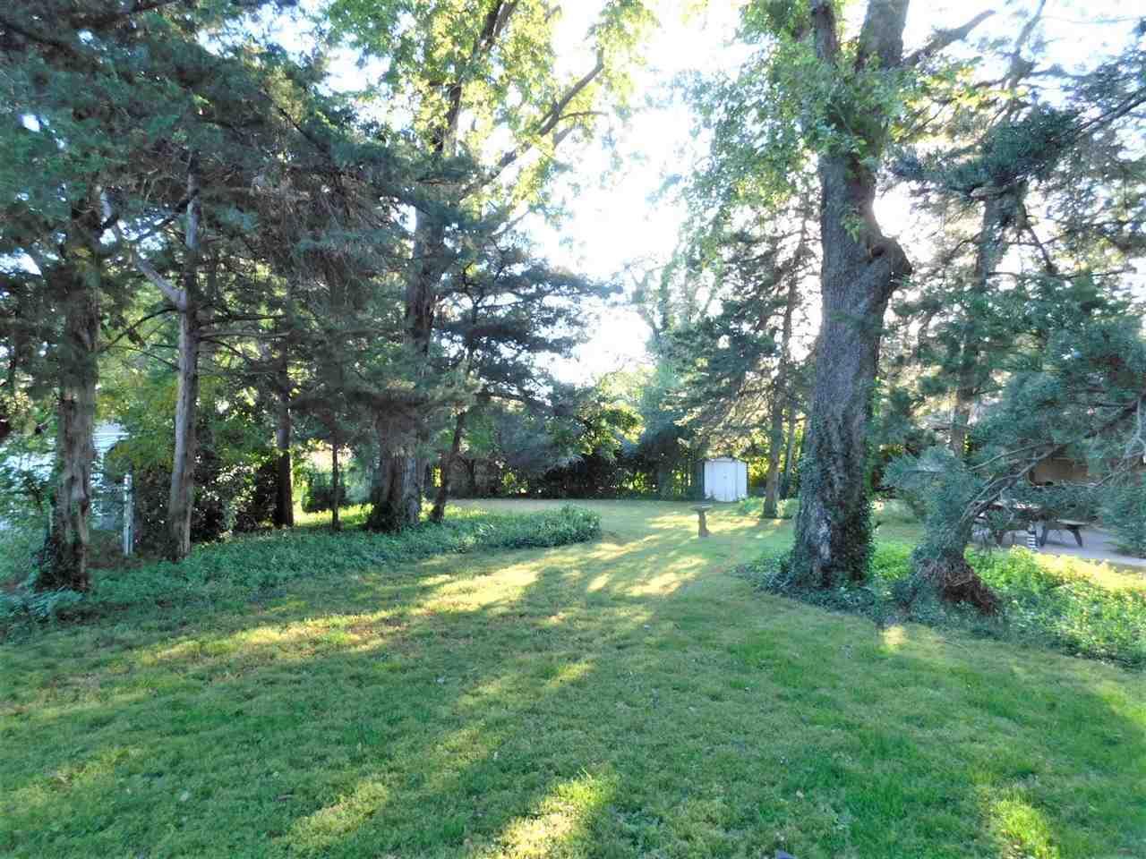 #century21groupone,#homesforsaleponcacity,#poncacityrealestate | 1801 Christmas Tree Lane Ponca City, OK 74604 26