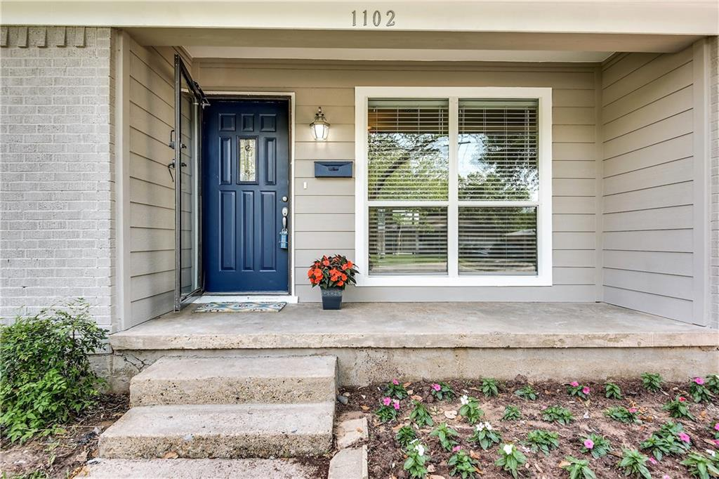 Housed Real Estate + Relocation  | 1102 Noble  Avenue Carrollton, TX 75006 4