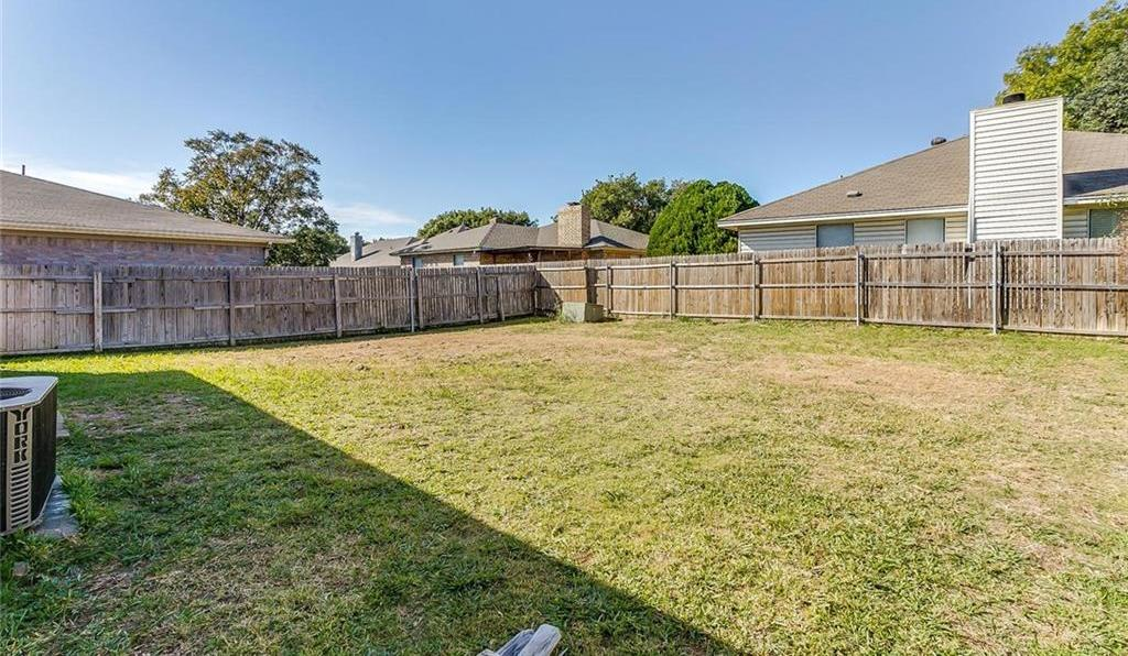 Sold Property | 7124 Wagonwheel Road Fort Worth, Texas 76133 3