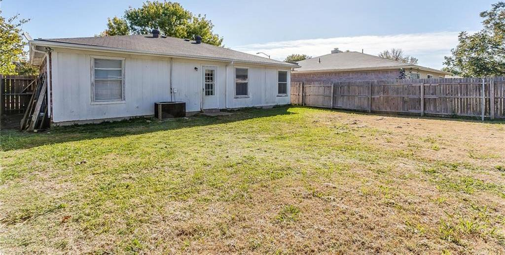 Sold Property | 7124 Wagonwheel Road Fort Worth, Texas 76133 4