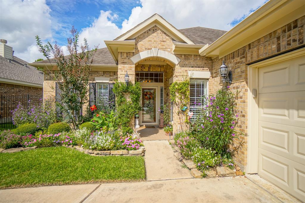 Heritage Grand, Plus 55 Active Community, lease home in Katy,  | 25050 Cinco Manor Lane Katy, TX 77494 3