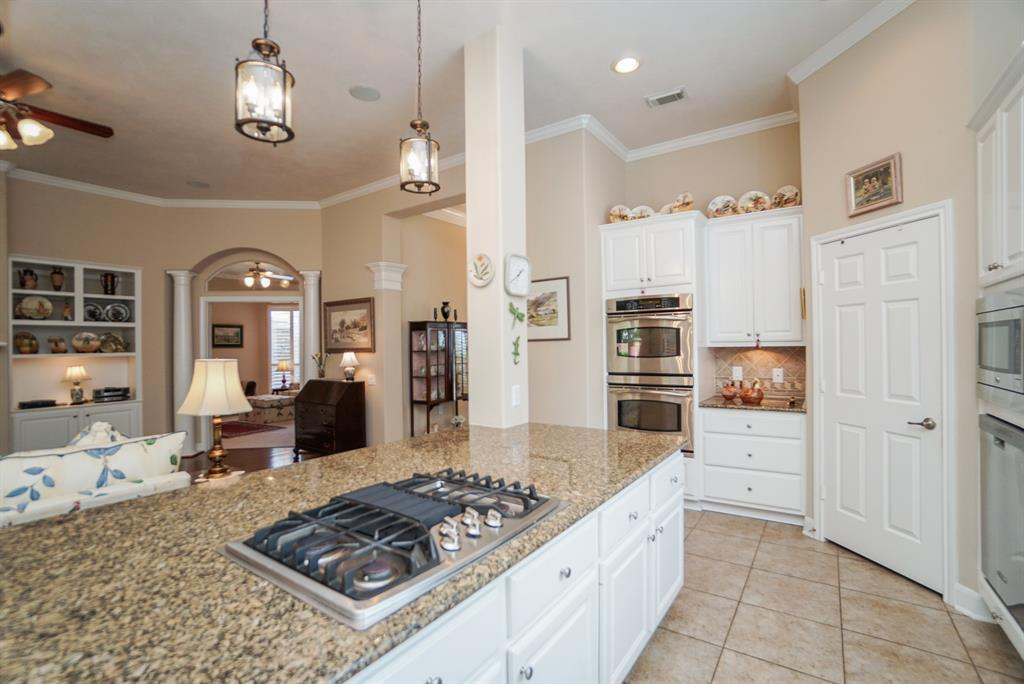 Heritage Grand, Plus 55 Active Community, lease home in Katy,  | 25050 Cinco Manor Lane Katy, TX 77494 15