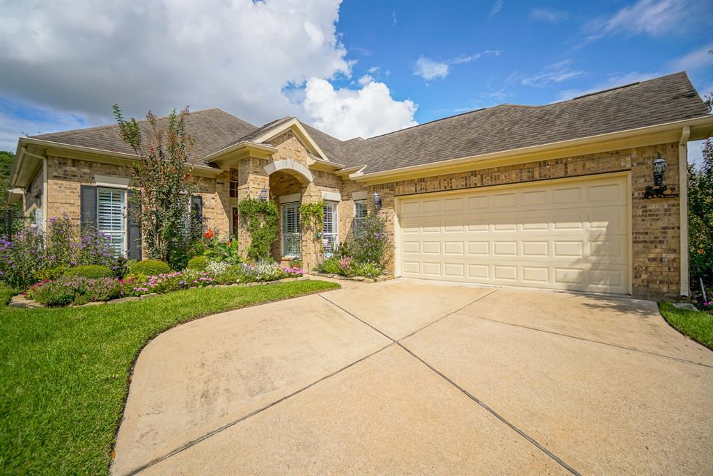 Heritage Grand, Plus 55 Active Community, lease home in Katy,  | 25050 Cinco Manor Lane Katy, TX 77494 4