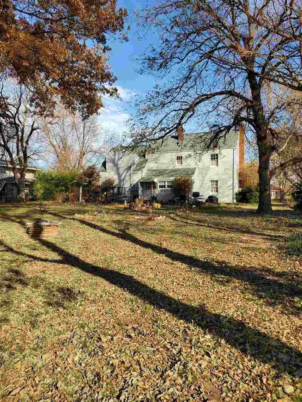 #century21groupone,#homesforsaleponcacity,#poncacityrealestate | 1106 S 7th Street  Ponca City, OK 74601-0 4