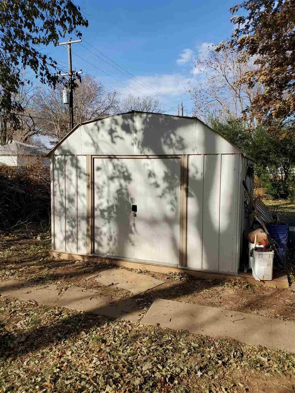 #century21groupone,#homesforsaleponcacity,#poncacityrealestate | 1106 S 7th Street  Ponca City, OK 74601-0 5
