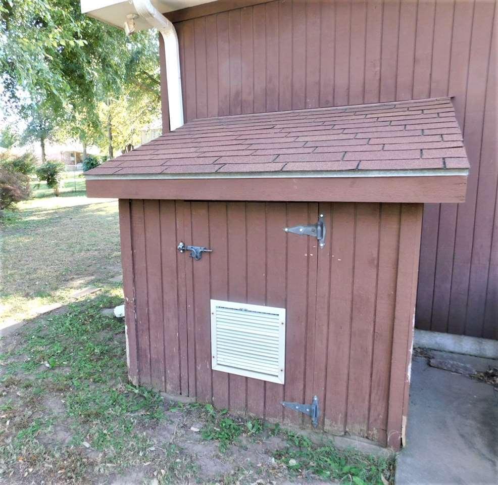 #century21groupone,#homesforsaleponcacity,#poncacityrealestate | 2415 Mockingbird  Ponca City, OK 74604 25