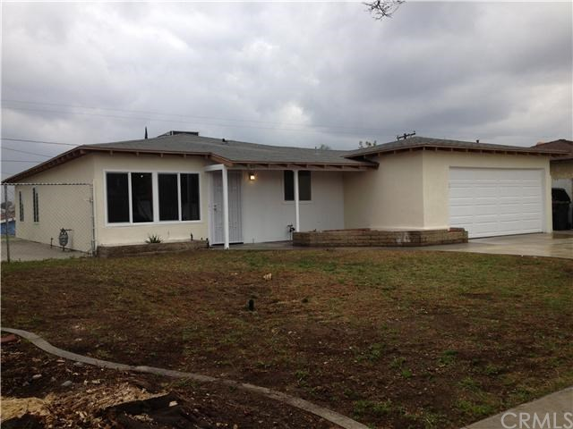 Closed | 387 W Woodcrest  Street Rialto, CA 92376 1