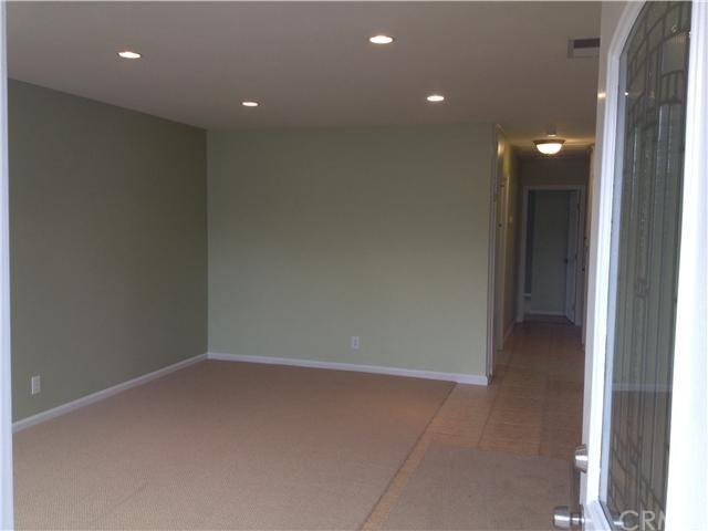 Closed | 387 W Woodcrest  Street Rialto, CA 92376 4