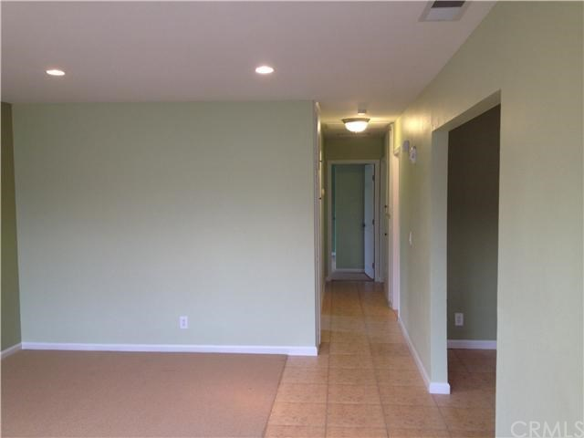 Closed | 387 W Woodcrest  Street Rialto, CA 92376 5