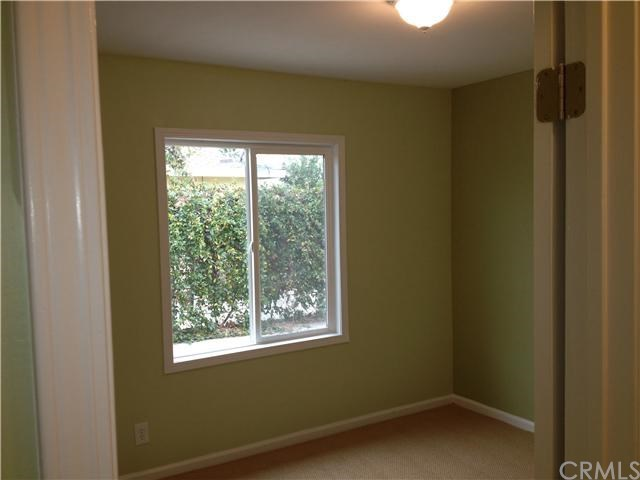 Closed | 387 W Woodcrest  Street Rialto, CA 92376 6