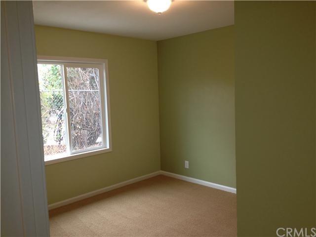 Closed | 387 W Woodcrest  Street Rialto, CA 92376 7
