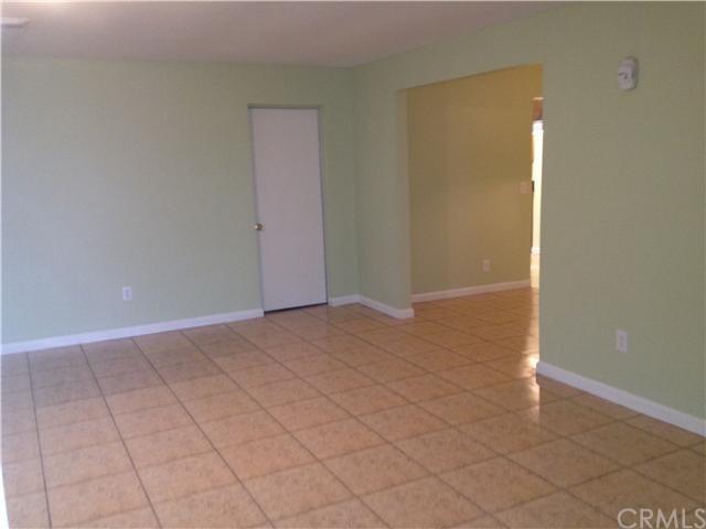 Closed | 387 W Woodcrest  Street Rialto, CA 92376 15