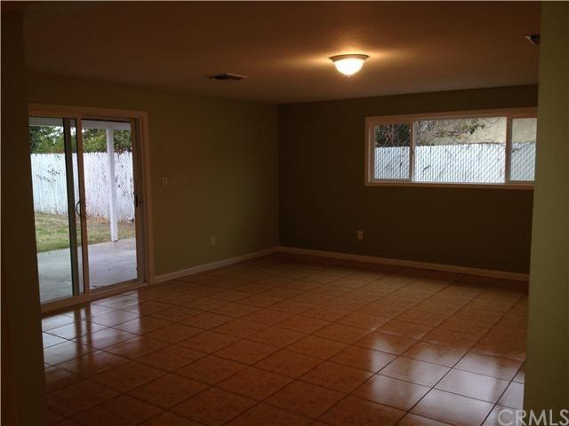 Closed | 387 W Woodcrest  Street Rialto, CA 92376 16