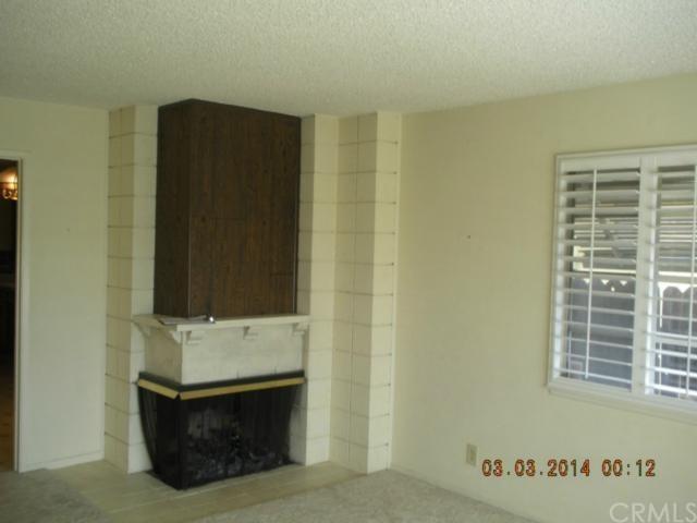 Closed | 1184 E 27th Street San Bernardino, CA 92404 2